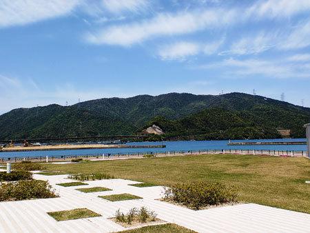 「若狭湾周遊観光旅行」1日目・ホテルうみんぴあ周辺の海
