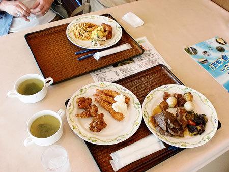 ホテルうみんぴあ 「レストランさぼうる」で昼食