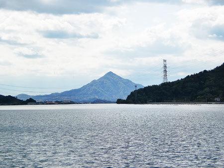 若狭湾をクルージング・青葉山・通称・若狭富士