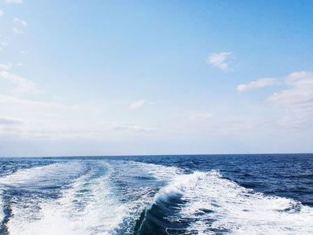 若狭湾をクルージング・赤磯崎灯台