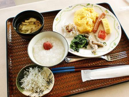 レストラン・さぼうるでビュッフェ朝食