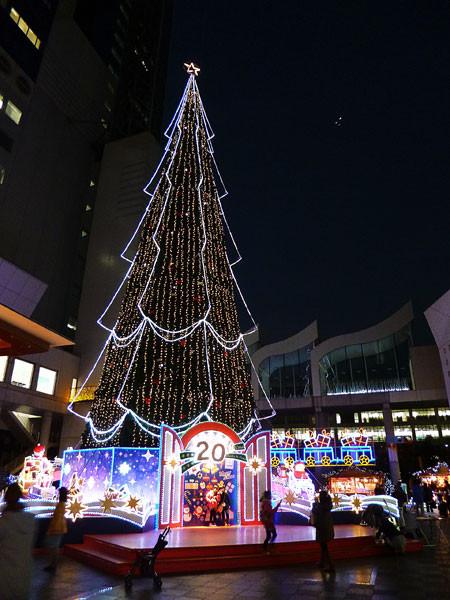 梅田スカイタワー クリスマスツリー